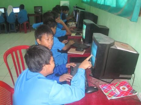 PeTIK SMPN 35 PADANG Pecinta Teknologi Informasi dan